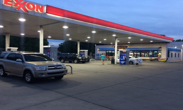 LED Canopy lights suited for gas stations